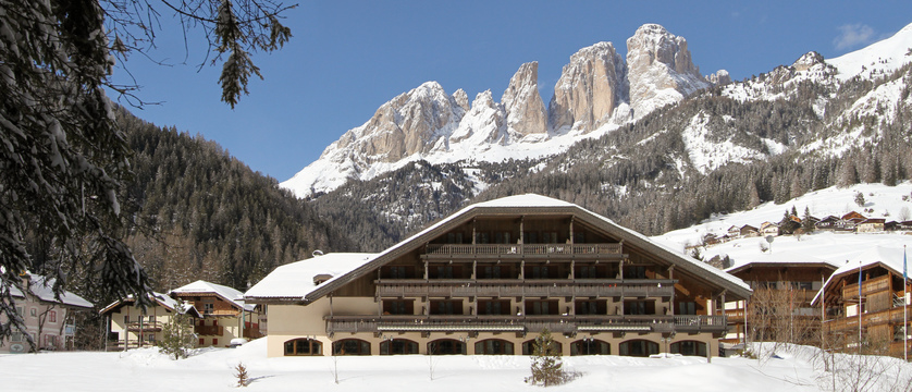 italy_dolomites_campitello_park-hotel-rubino_exterior.jpg